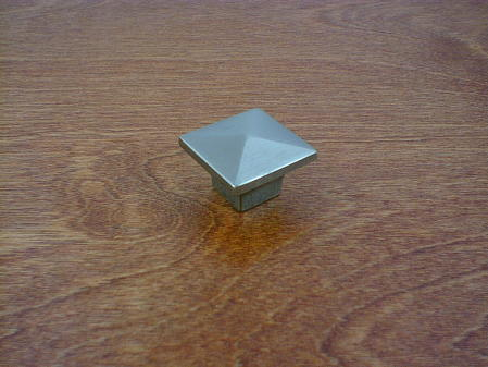 brushed nickel square smooth pyramid head knob ch-3420bn
